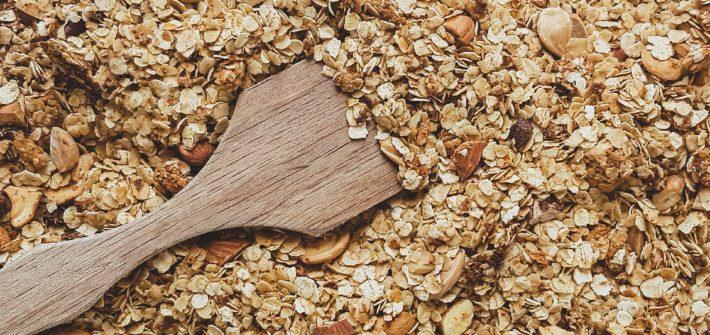 Knuspriges glutenfreies Granola